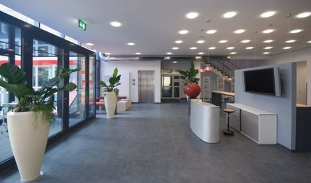 Spacious interior design and very bright: The Training Centre in Cologne is first and foremost a space for open communication.